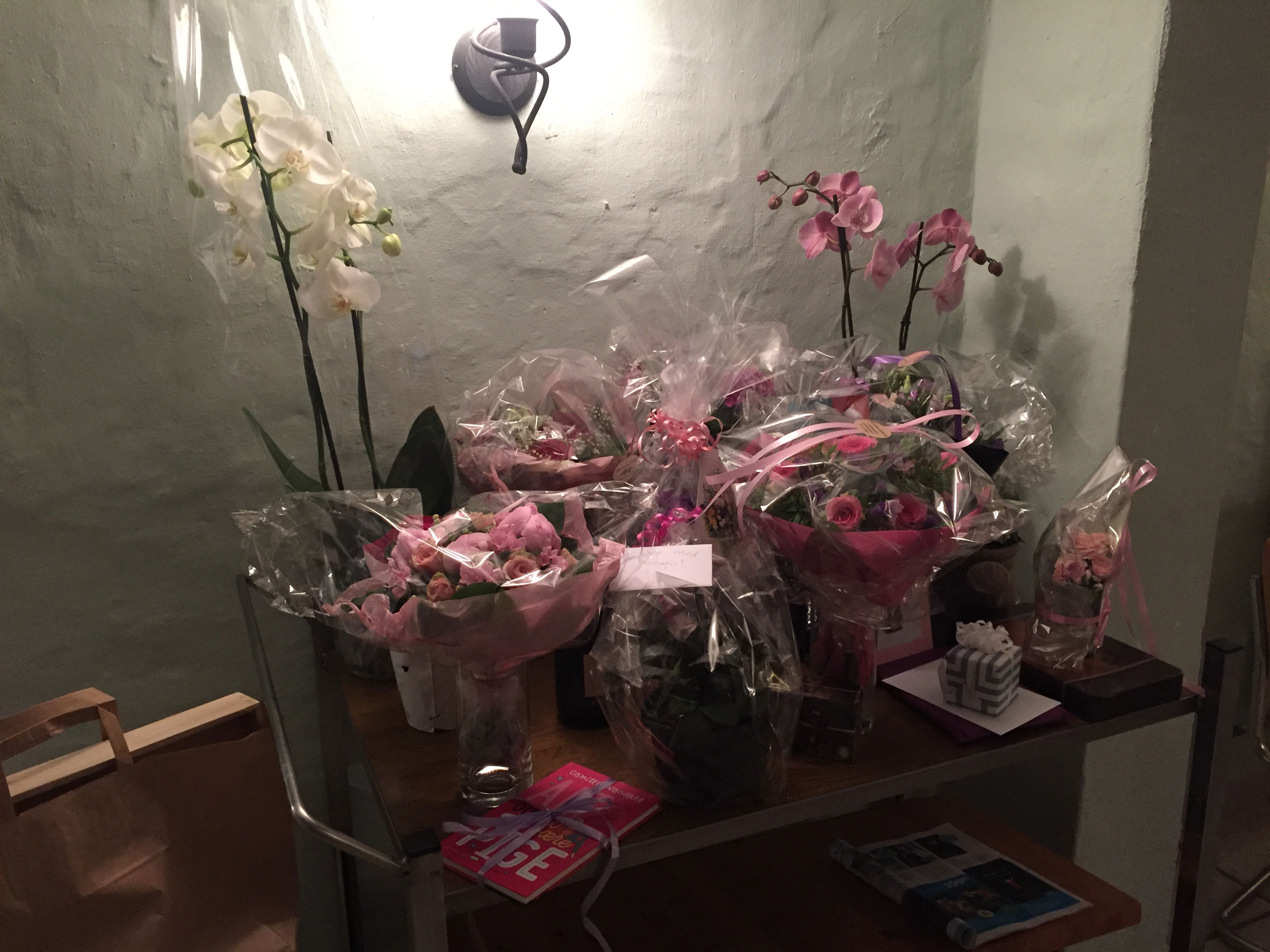 Blomster og gaver til receptionen