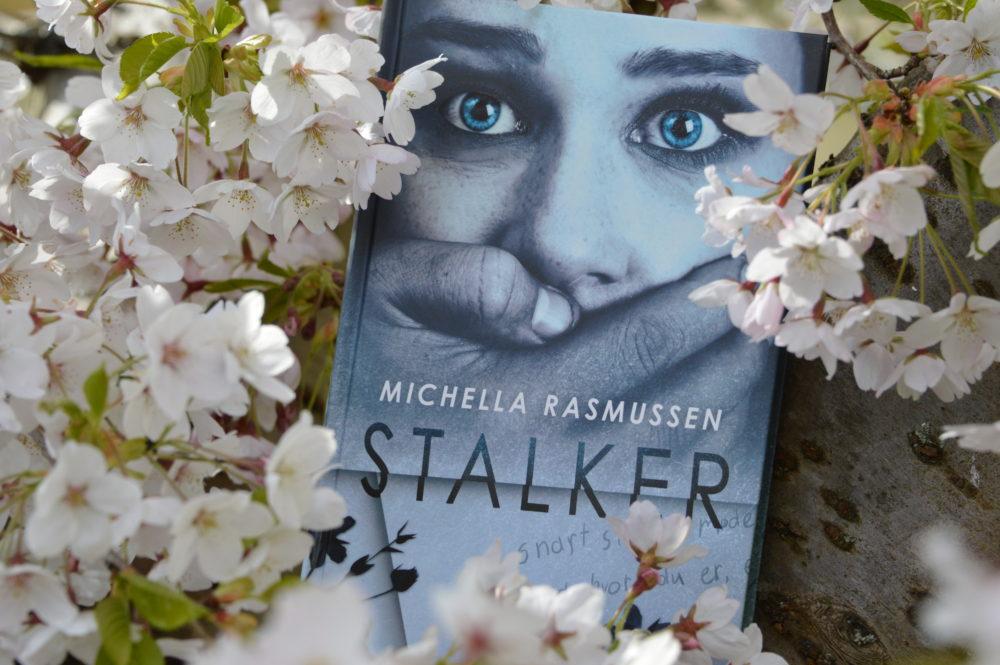 Bogen, Stalker, af Michella Rasmussen