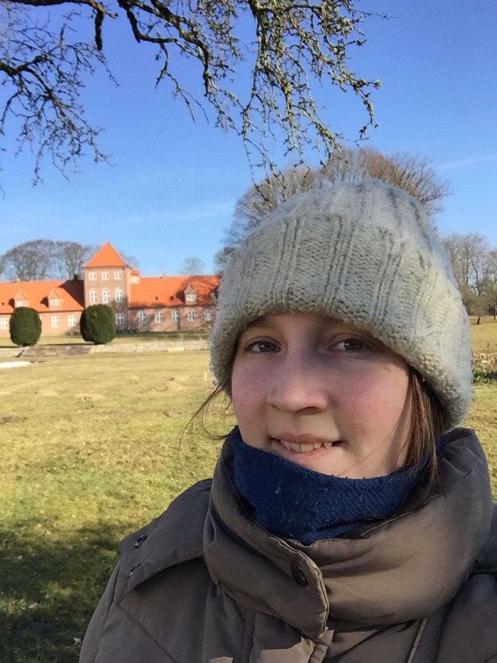 Mig foran Hald Hovedgaard